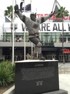 LA Kings Luc Robitaille Statue